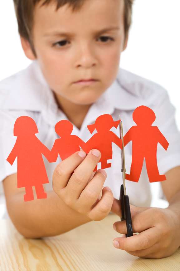 children of divorce New research suggests that children whose parents divorce when they are very young have a more difficult time establishing close relationships with their parents later in life the study, which was published online june 28, and will appear in the september 2013 issue of the personality and social.